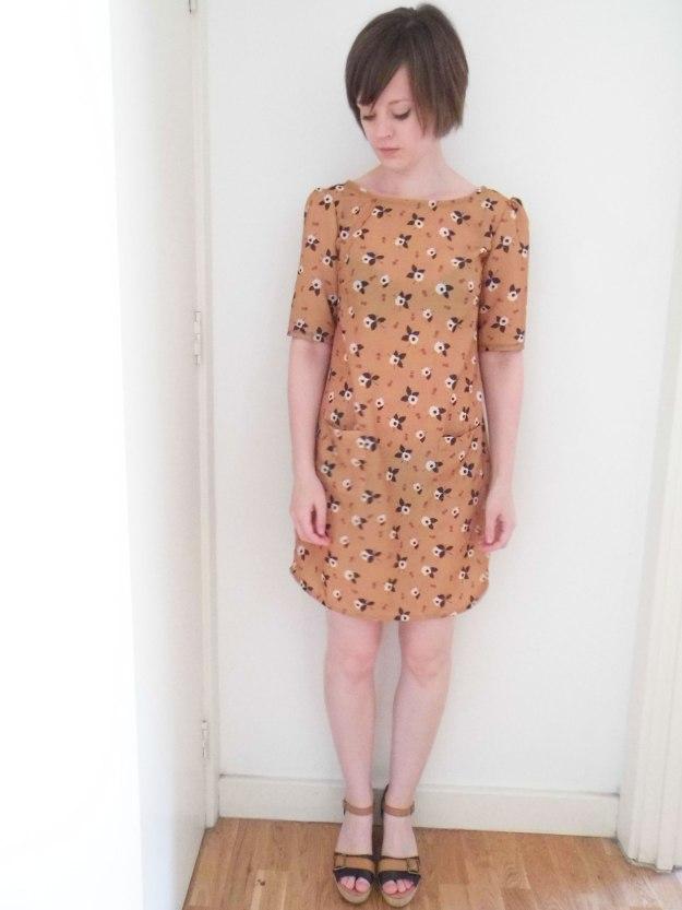 Colette-Laurel-brown-pattern-2