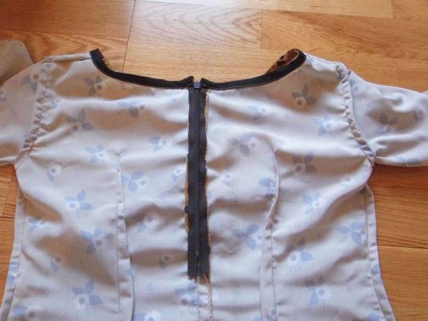 Colette-Laurel-brown-pattern-6