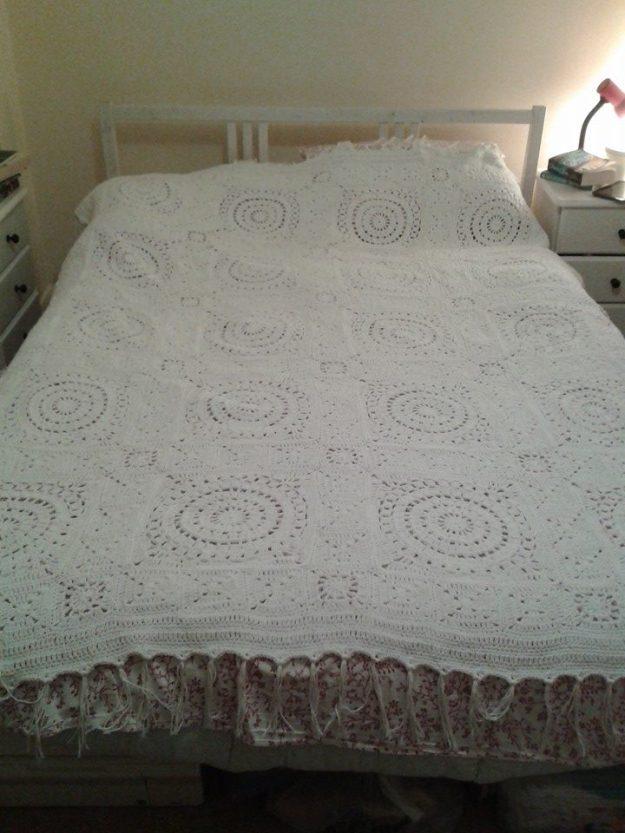 Phoebe's white blanket