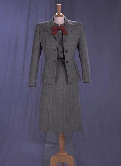grey suit, burgundy tie